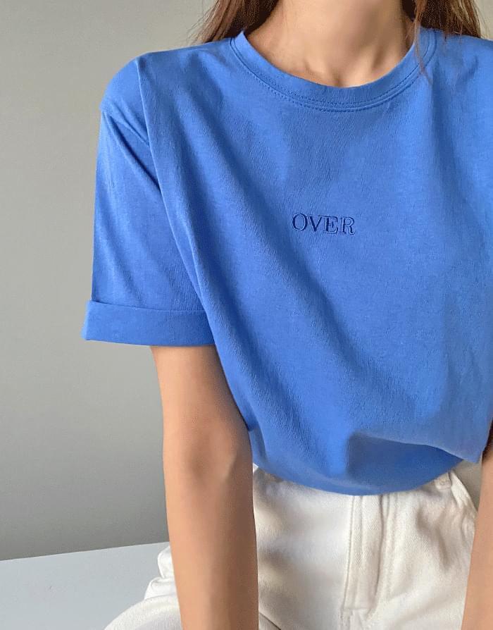 톤앤 오버 자수 반팔 티셔츠