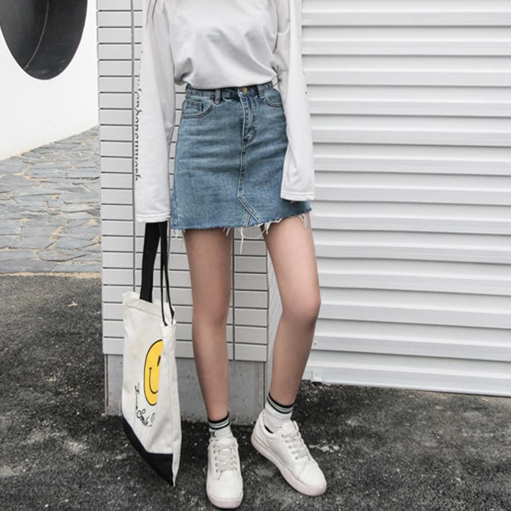 Pretzel Cutting Denim Skirt 裙子