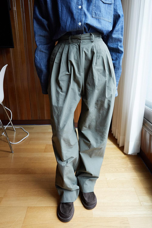 glossy wide pants 長褲