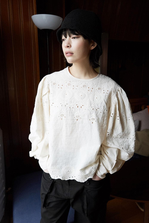 lazy punching blouse 襯衫