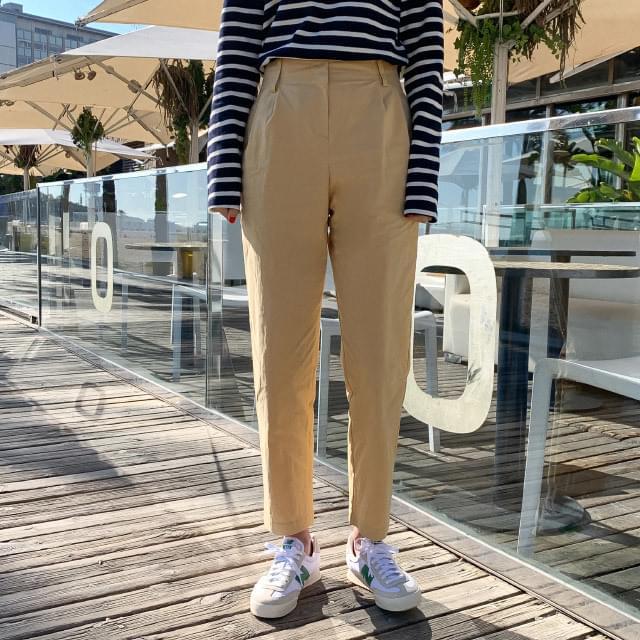 Pin tuck, semi-exhaust cotton pants
