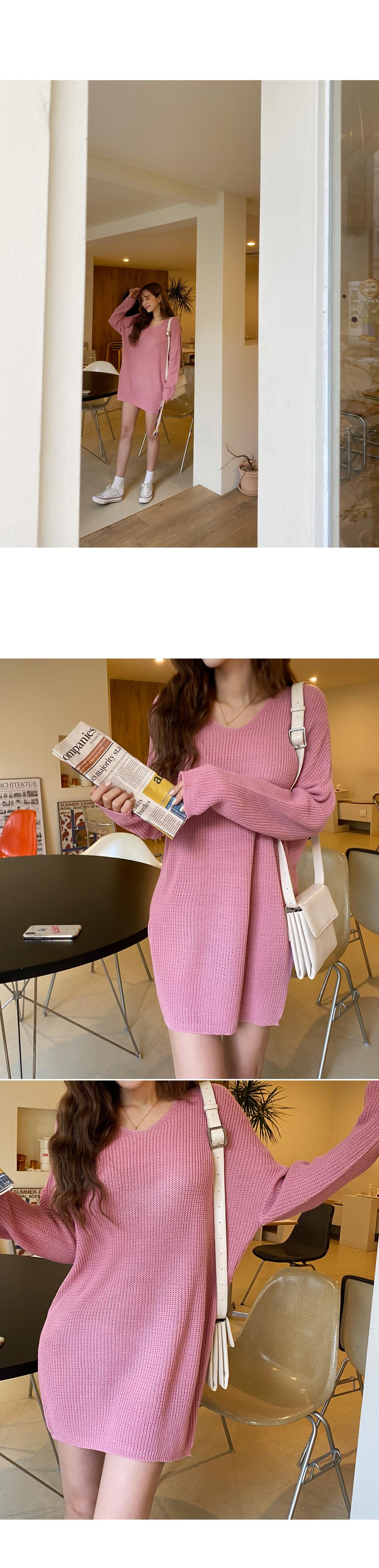 Soft V-neck knit dress