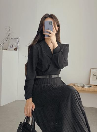 Pleated collar ops