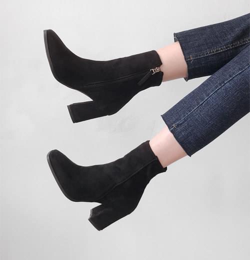 質感麂皮拉鍊粗高跟短靴