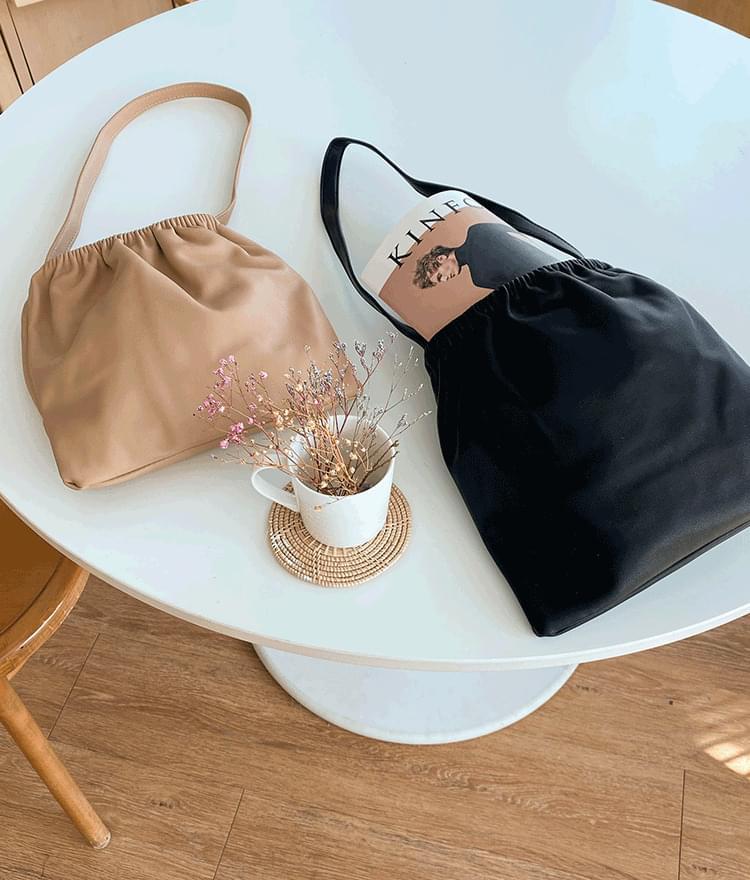Pleated long shoulder bag 肩背包
