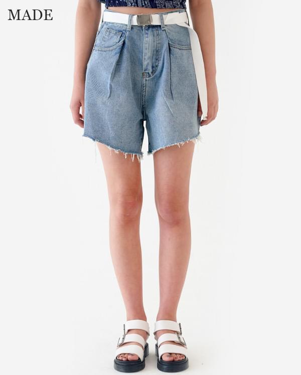 High-waist pin-tuck denim short pants