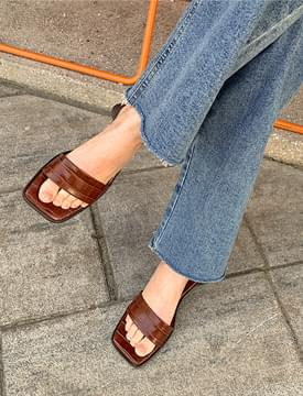 Square middle hill slippers 涼鞋