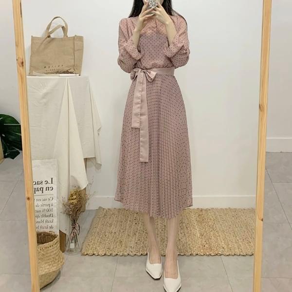 Sweet dot pleated chiffon long dress