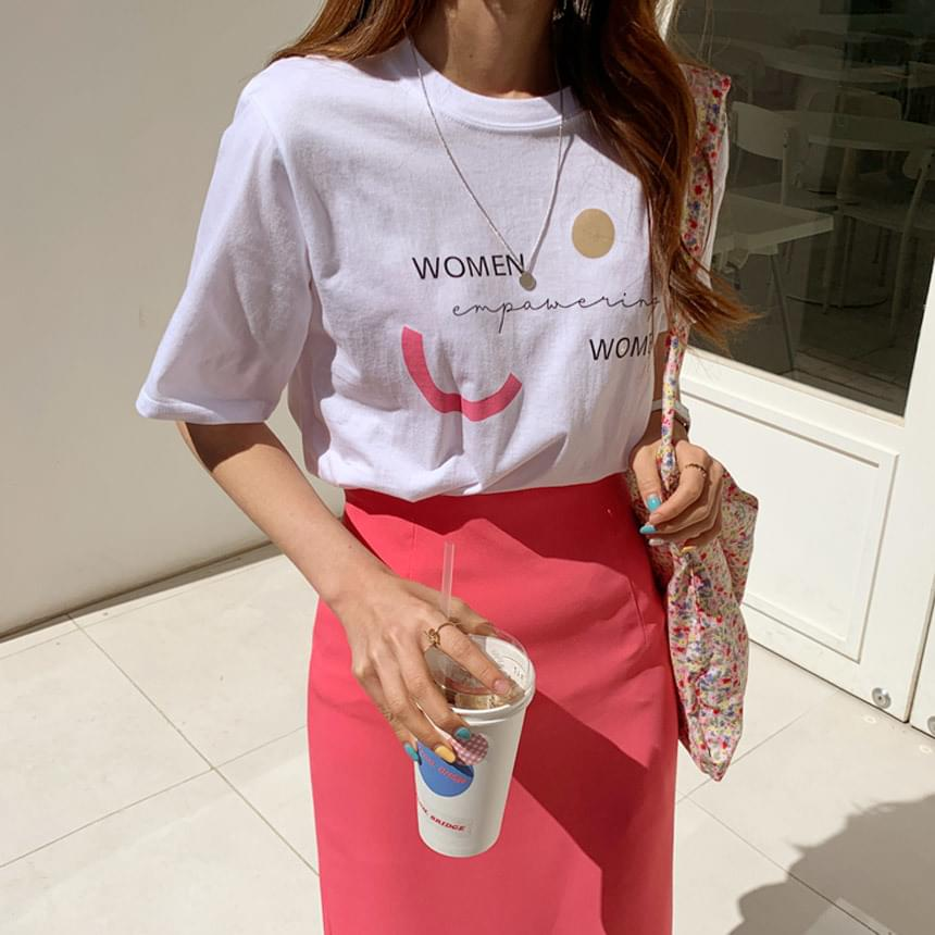 Pink Woman Lettering T-shirt