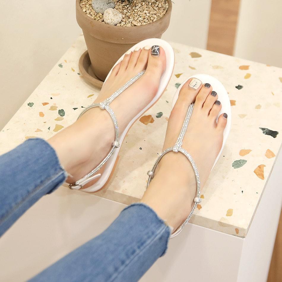 Zekia pecking strap sandals 1 cm