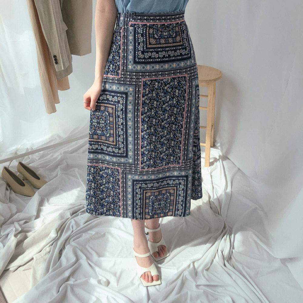 Hawaiian ethnic skirt