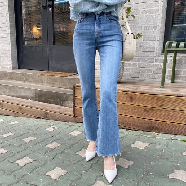 Boots cut denim pants