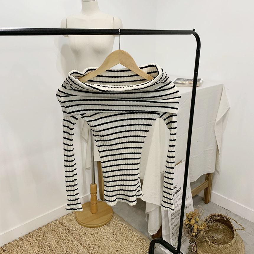 Melthy Striped Off Shoulder T-Shirt 2colors