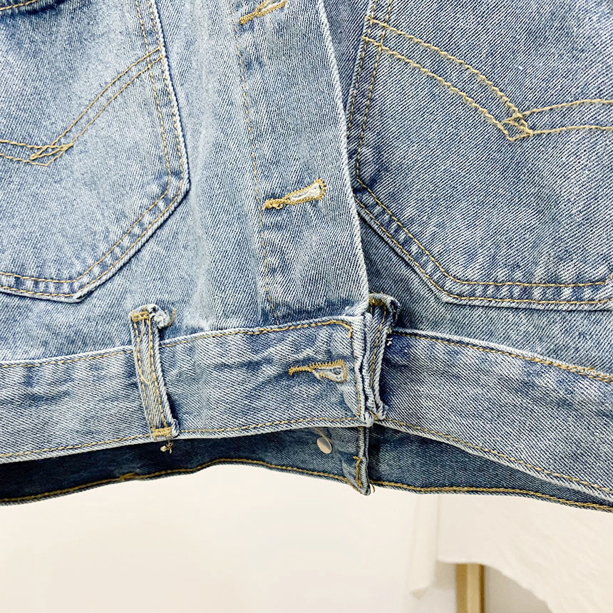 Heelbrick pocket button cropped denim jacket
