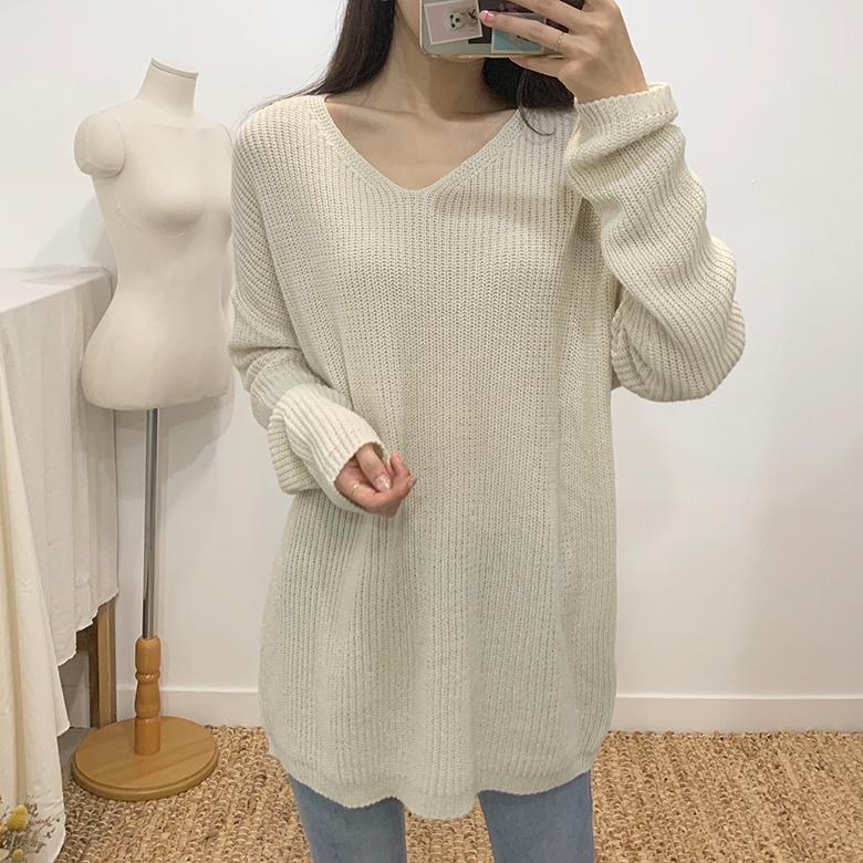 Leopold Hatch V-neck knit