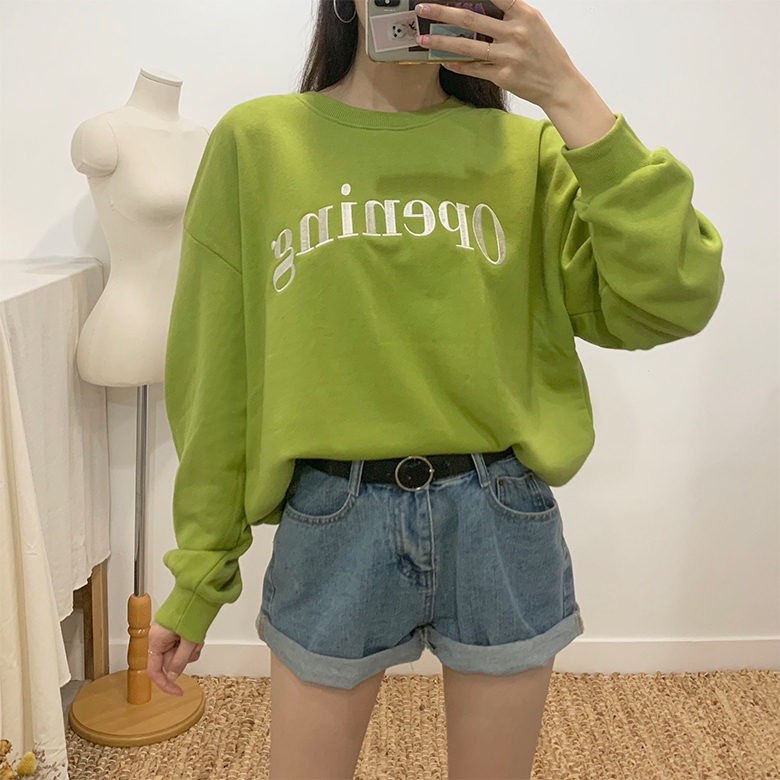 Opening lettering round sweat shirt