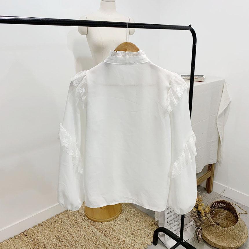 Ruffled ribbon lace ruffle blouse 2colors