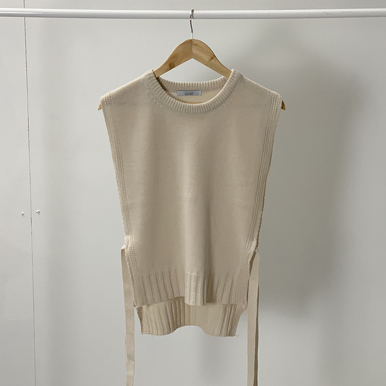 Loose Ribbon Thong Round Knit Vest