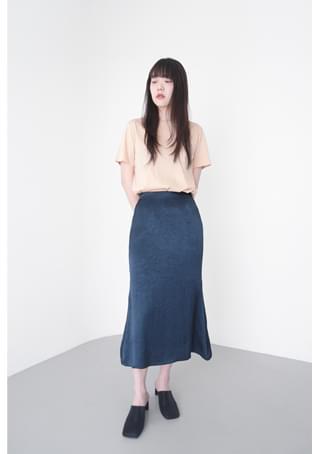 crease A-line midi skirt