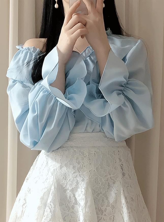 Panini ruffle blouse