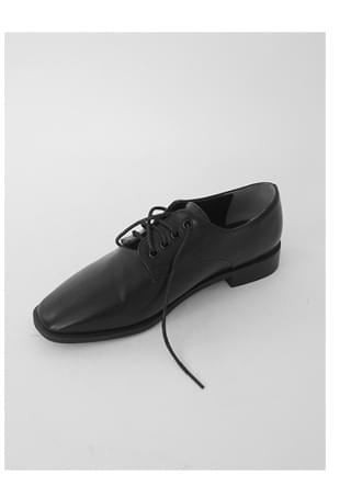 edge toe black oxford shoes