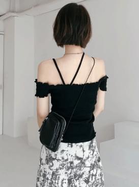 Off-the-shoulder eiffel knit