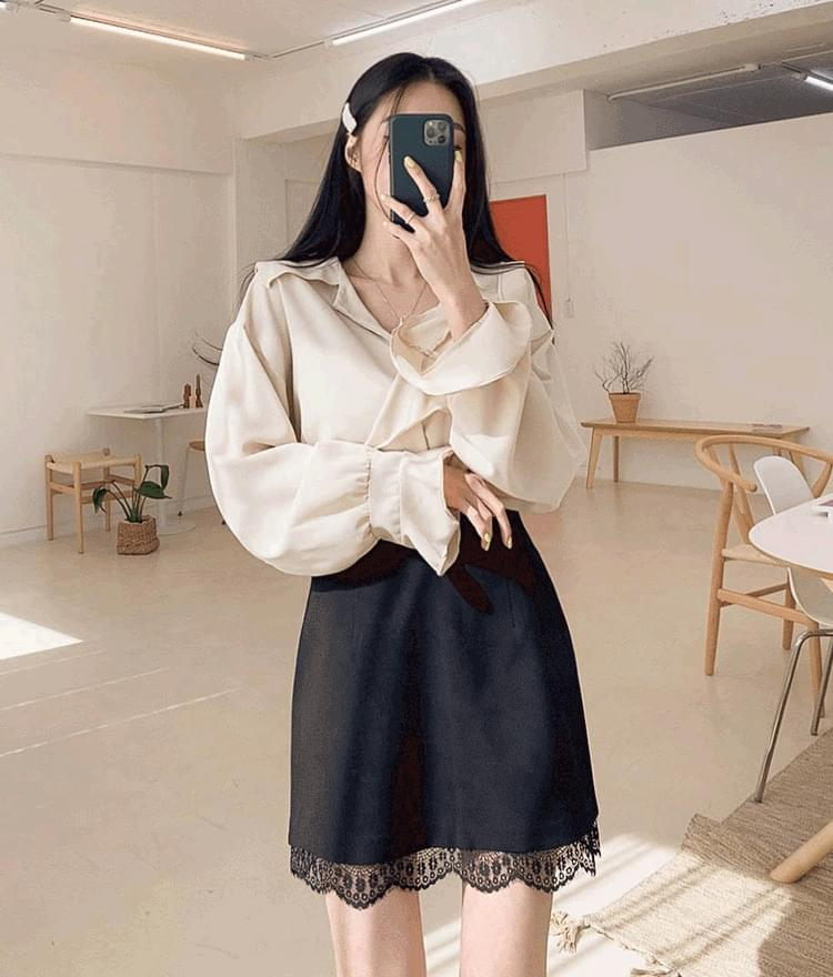 Touch blouse