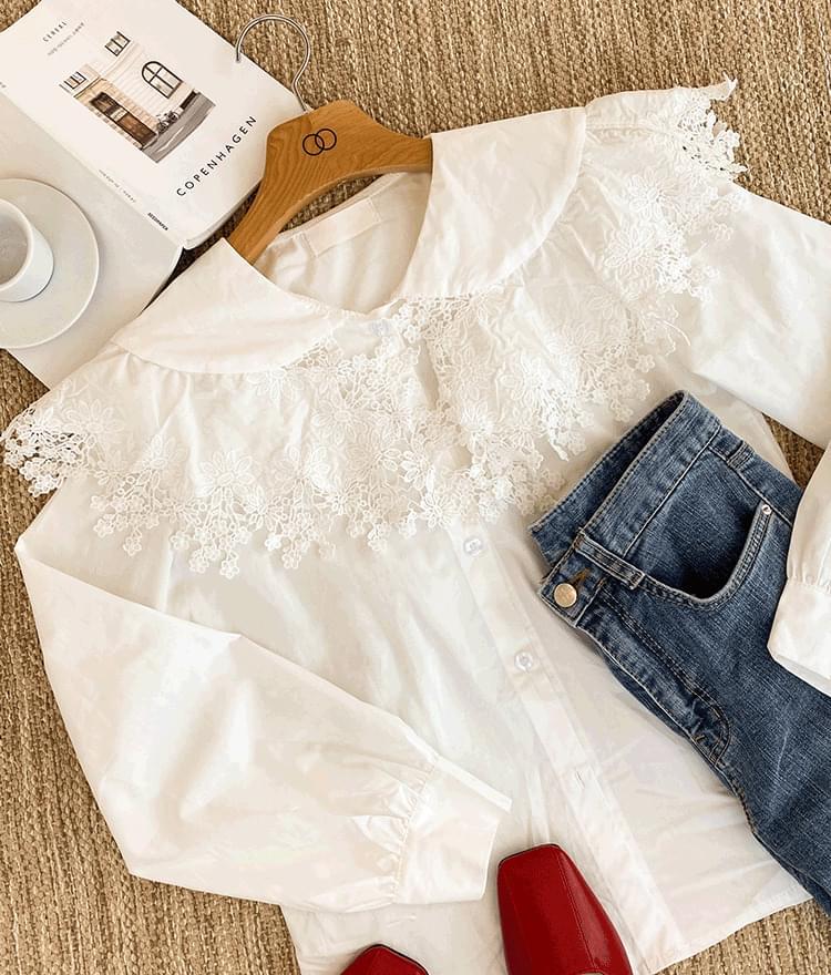 Antique collar blouse