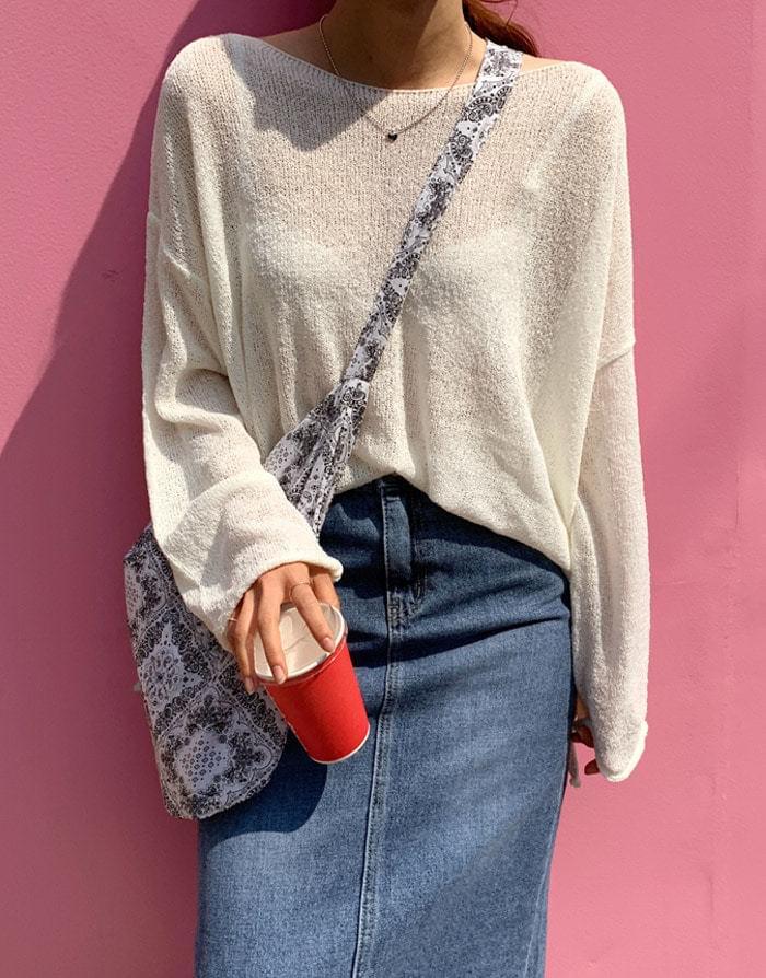 Sweet bookle boat neck loose fit knitwears