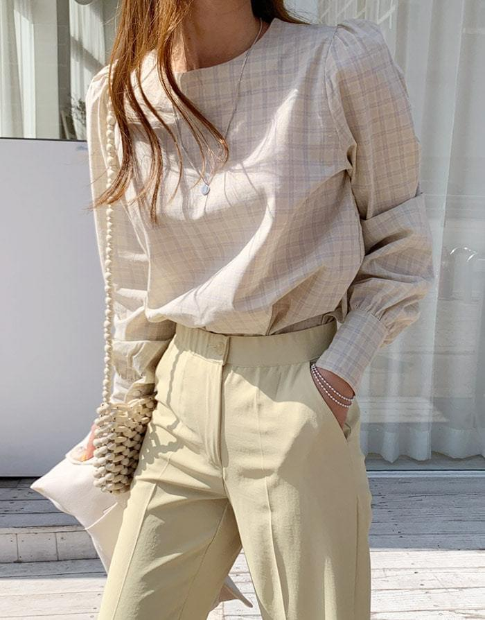 Touch me check blouse
