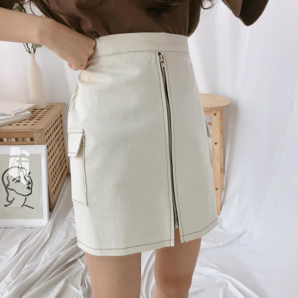 Zipper stitched cargo skirt スカート