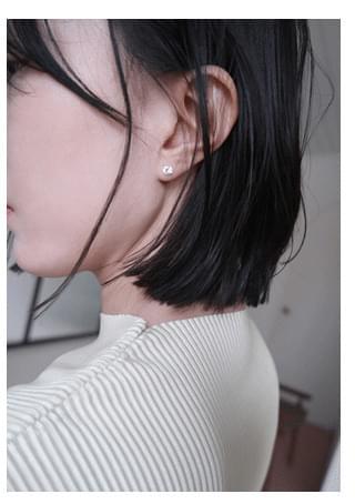 unbalance point earrings イヤリング