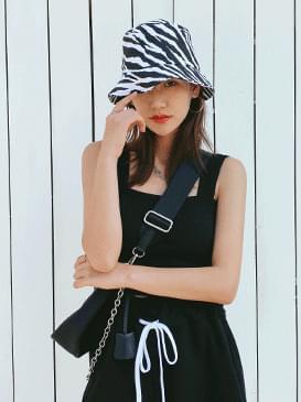 Zebra bucket hat cap