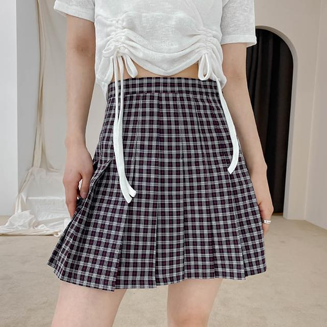 Pleated check mini skirt