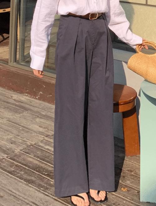 Jerry pintuck pants