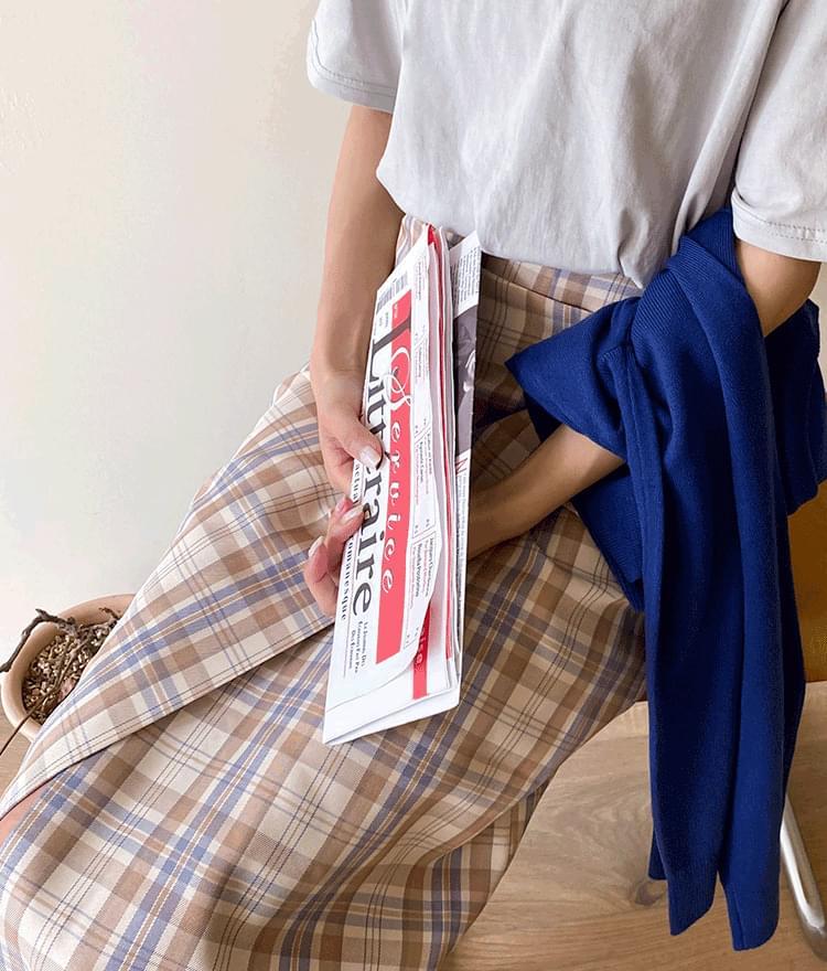 ESSAYStraight Cut Check Wrap Skirt