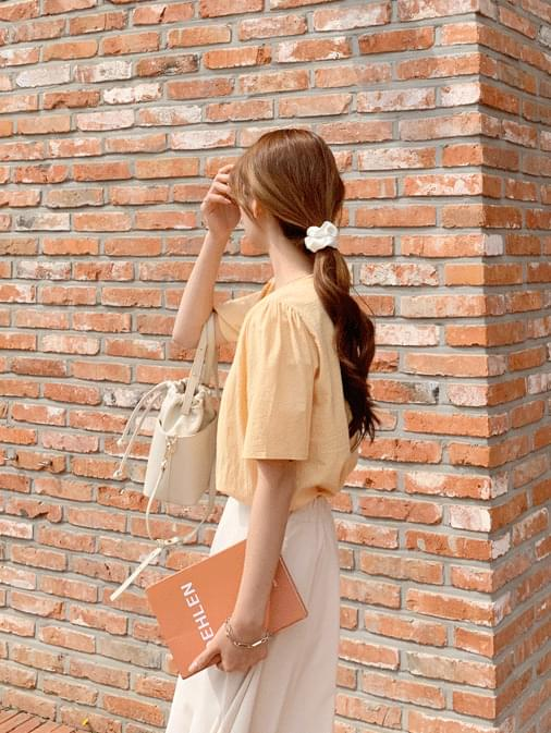 Mica square blouse ブラウス
