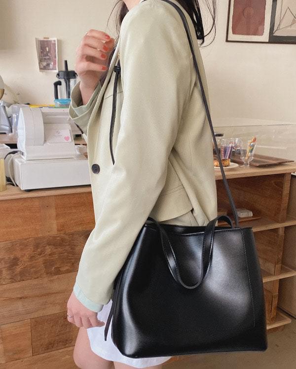 Big size square shoulder bag