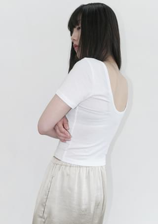 back oval-neck slim tee 短袖上衣