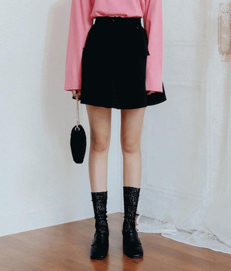HEART CLUB Belted Mini Skirt