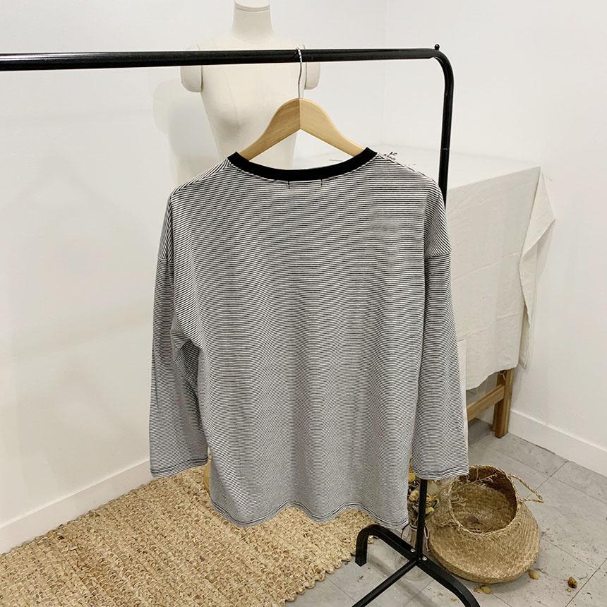 Favor stripe color scheme round T-shirt
