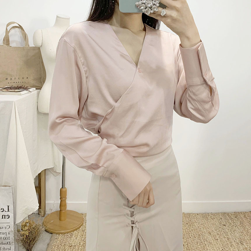 Country Sha Tin V Neck Wrap Blouse