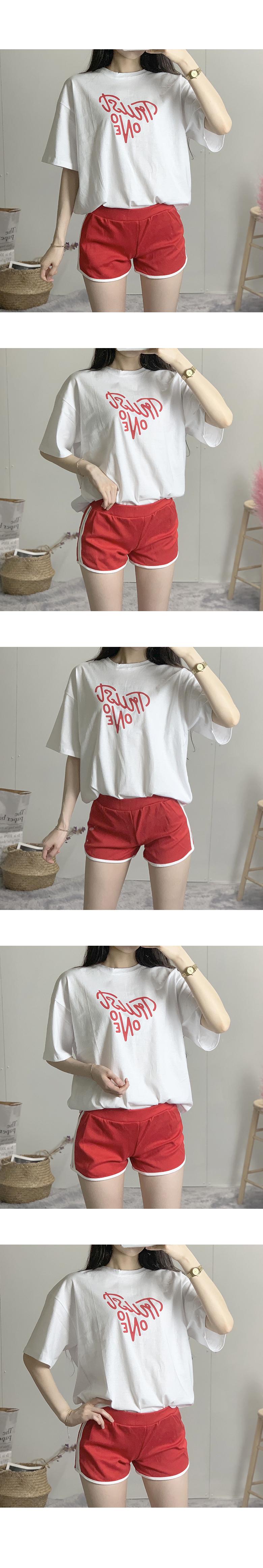 Heart Rouge Round Short Sleeve T-Shirt