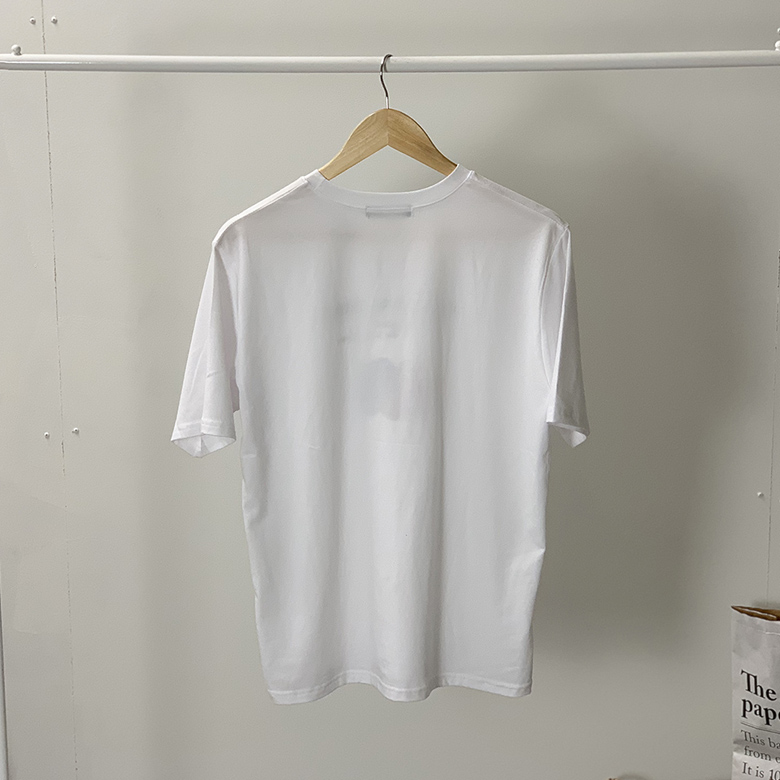 Short sleeve tee with scroll printing