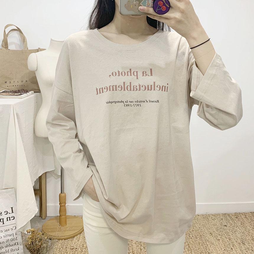 La photo lettering round neck long sleeve t shirt