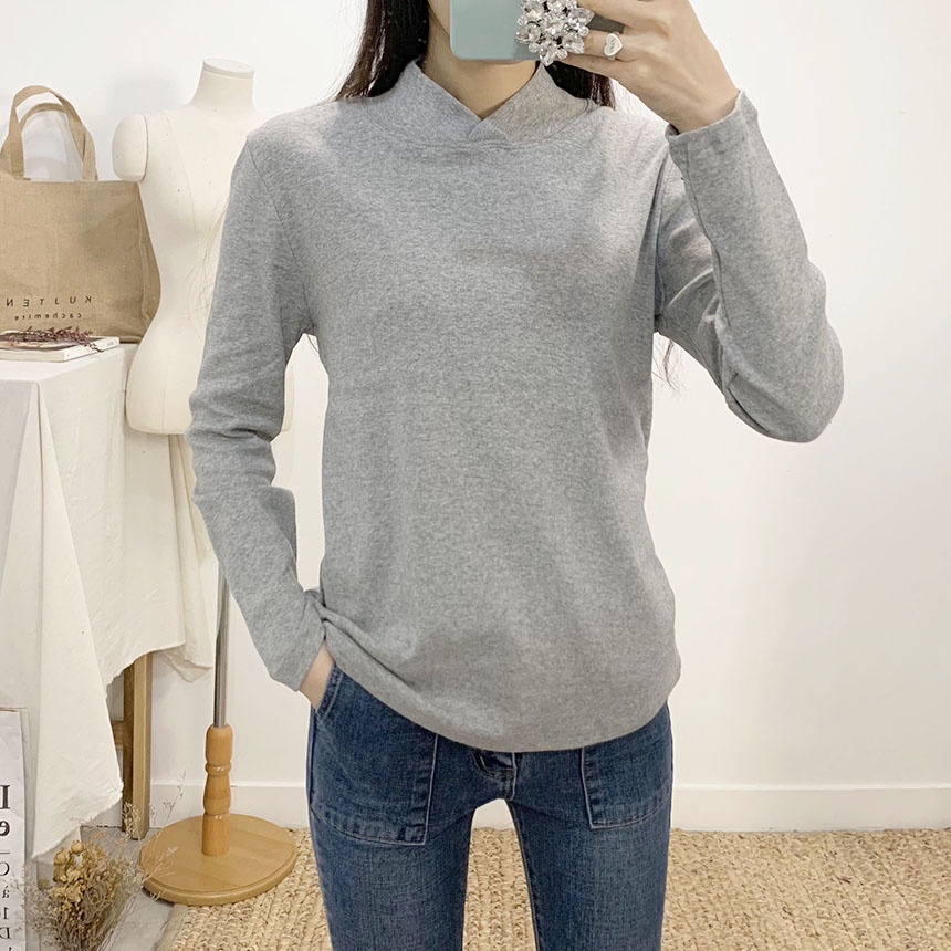 Dyna round collar neck long sleeve t-shirt