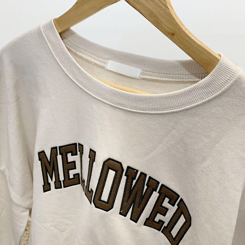 Mellow lettering color round man-to-man