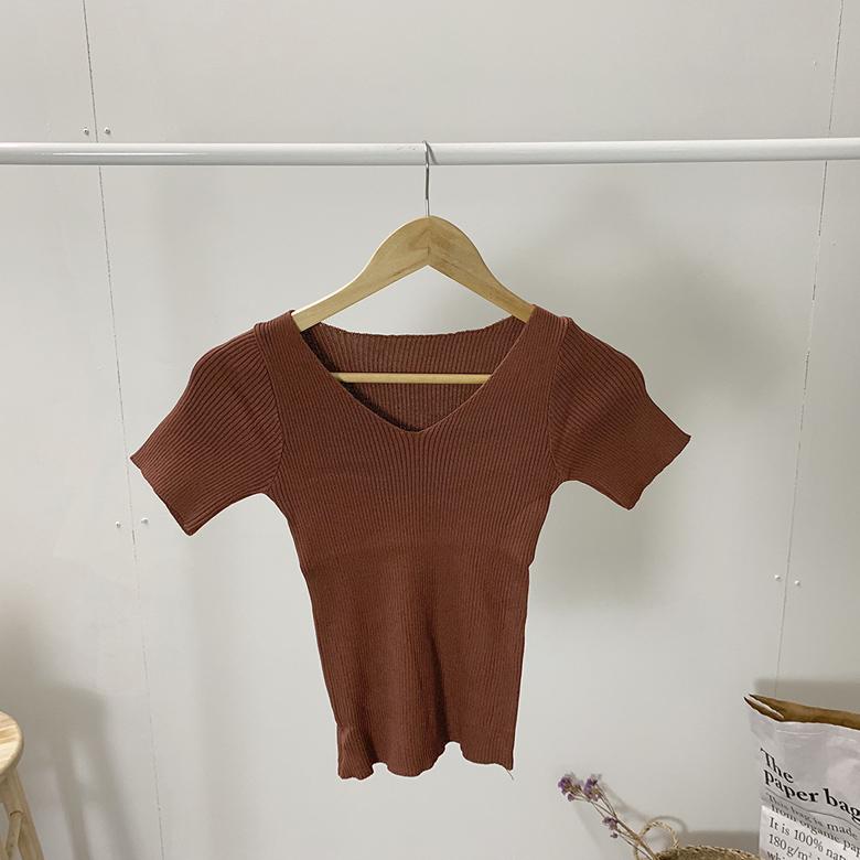 V-neck short sleeve slim knit