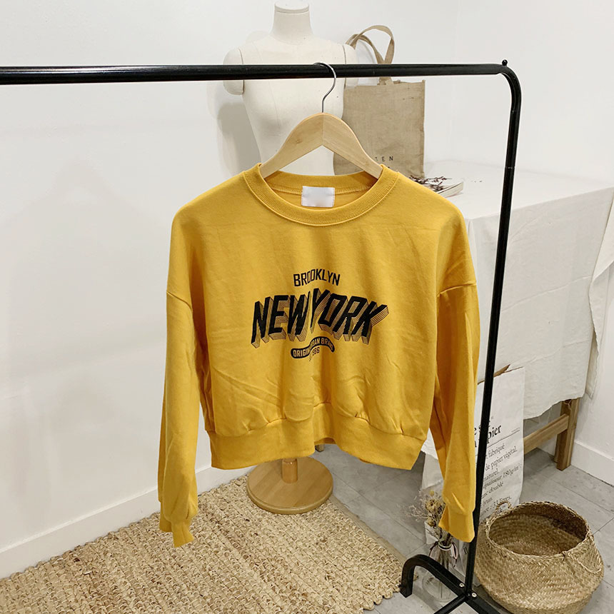 Brooklyn lettering round neck crop one-to-one