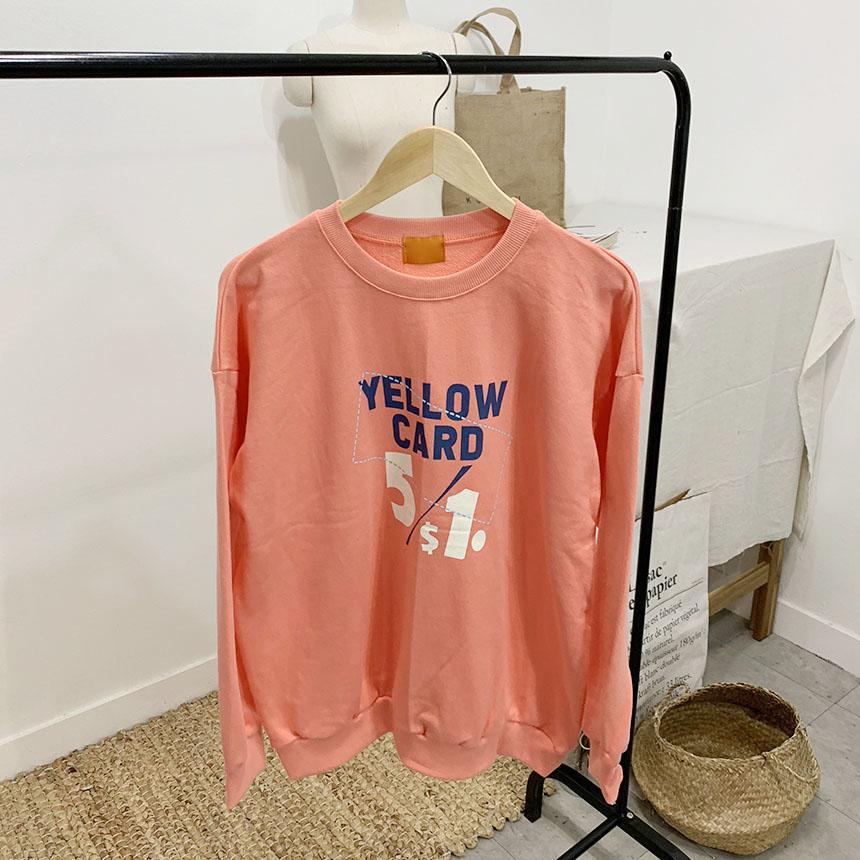 Yellow card printing round neck sweat shirt